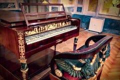 Antiek muzikaal instrument stock afbeelding