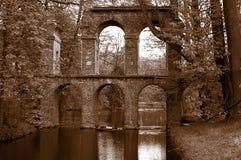 Antiek roman aquaduct stock afbeeldingen