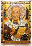 Antiek Russisch orthodox die pictogram van Sinterklaas op houten wordt geschilderd Royalty-vrije Stock Foto
