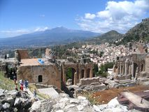 Antiek theater, taormina, Etna, stock foto's