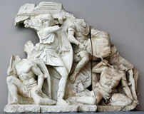 Antieke beeldhouwwerkgroep in Ephesus Stock Foto's
