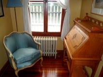 Antieke bureau en stoel Stock Fotografie