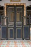 Antieke deur Chinees-Portugese stijl Stock Fotografie