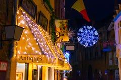 Antieke die winkel voor Kerstmis wordt verfraaid Royalty-vrije Stock Afbeeldingen
