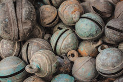 Antieke dierlijke bronsklokken Stock Foto's