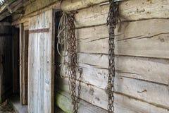 Antieke houten muur van een landelijke huisloods royalty-vrije stock fotografie