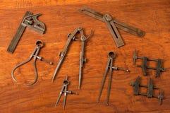 Antieke hulpmiddelregeling, het meten/lay-outapparaten Stock Fotografie