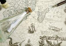 Antieke kaart en manuscriptenpen royalty-vrije stock foto's