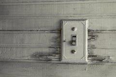 Antieke lichte schakelaar in een verlaten huis royalty-vrije stock foto's