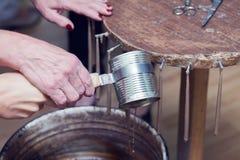 Antieke manier om kaarsen te maken Stock Fotografie