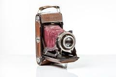 Antieke Oude die fotocamera op wit wordt geïsoleerd Stock Afbeelding