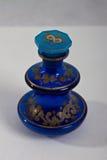 Antieke parfumfles 1840 blauw Royalty-vrije Stock Fotografie