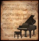 Antieke piano Stock Afbeeldingen