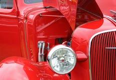 Antieke rode auto royalty-vrije stock afbeeldingen