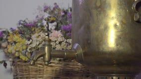 Antieke Russische samovar stock video