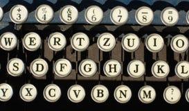 Antieke schrijfmachinesleutels stock foto's