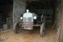 Antieke Tractor Stock Afbeeldingen