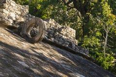 Antient在晚上阳光下向圆环,墨西哥扔石头 免版税图库摄影