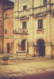 Antigüedad bien en Toscana Imagenes de archivo