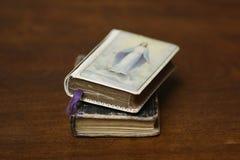 Antigüedad de los libros de oración imagen de archivo