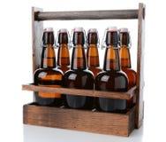 Antigüedad seis portadores de la cerveza del paquete Foto de archivo