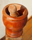 Antigüedad de madera del mortero y de la maja Foto de archivo