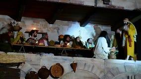 ANTIGNANO, ITALIA - 14 DE ABRIL DE 2017: Vía la manera de Crucis de la cruz almacen de video