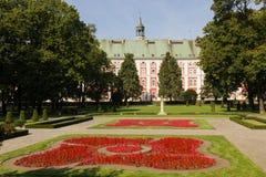Antigos faculdade do jesuíta & parque de Chopin. Poznan. Poland imagens de stock