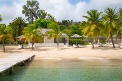 Antigua, Caraïbische eilanden Engelse Havenmening over Galeon-strand Royalty-vrije Stock Afbeeldingen