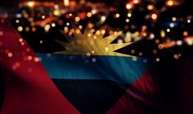 Antigua en van de de Vlag Lichte Nacht van Barbuda de Nationale Abstracte Achtergrond van Bokeh Stock Afbeelding
