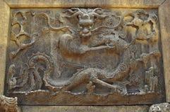 Antigue龙雕塑或遗物在耶路撒冷旧城上帝` s寺庙和豫园,上海 库存照片