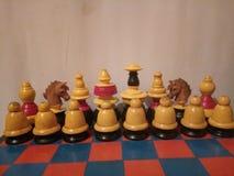Antiguidade colorida de madeira do grupo de xadrez Imagem de Stock Royalty Free