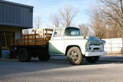 Antiguidade do caminhão do trabalho sem marca Fotografia de Stock Royalty Free
