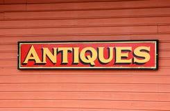 Antiguidades para o sinal da venda Foto de Stock Royalty Free