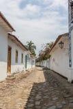 Antik arkitektur och gata i staden av Paraty Royaltyfria Bilder