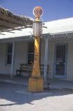 Antik bensinpump, Fotografering för Bildbyråer