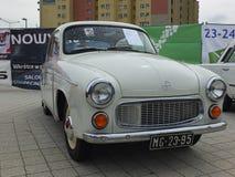 Antik bil FSO Syrena 104 Fotografering för Bildbyråer
