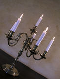 antik bronze candleholderfransman arkivbild