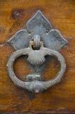 Antik dörrknackare i Montepulciano, Italien Royaltyfri Fotografi