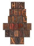 antik engelsk typ för abstrakt alfabet Arkivfoton