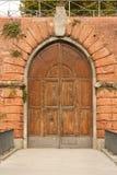 Antik fästningdörr i Firenze Fotografering för Bildbyråer