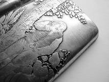 Antik fast lyx för silvercigarettetuitappning Arkivbild