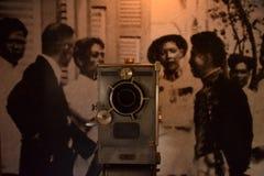 Antik filmkamera Royaltyfri Bild