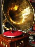 antik grammofon Arkivbilder