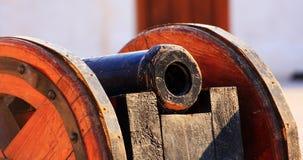 Antik kanon och vagn Royaltyfria Foton