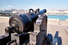 Antik kanon på lavett Arkivbilder