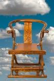 Antik kinesisk hopfällbar stol. Arkivbild
