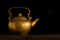 Antik kinesisk Teapot Royaltyfri Fotografi