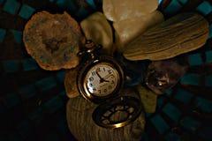 Antik klocka som arbetar fortfarande royaltyfria foton