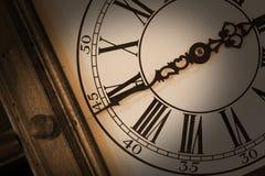 antik klockavägg royaltyfria bilder
